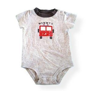 Mommys Hero Onesie Size 9 months
